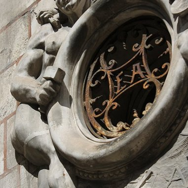 Au terme de la visite, étaient d'autres jolis monuments, comme le Couvent des ursulines dans lequel s'est installé l'actuel Palais de Justice. Comme les Hôtels particuliers